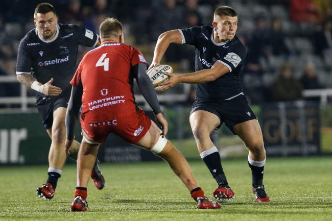 NEWCASTLE UPON TYNE, ENGLAND OCTOBER 18TH    Jamie Blamire of Newcastle Falcons prepares to offload during the Greene King IPA Championship match between Newcastle Falcons and Hartpury College at Kingston Park, Newcastle on Friday 18th October 2019. (Cred