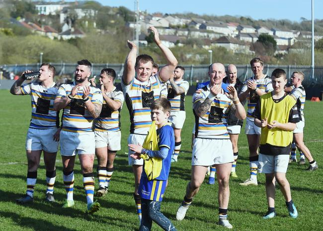 THANKS FOR SUPPORT: Haven's players thank the fans for their support after the victory over Hunslet last weekend								Picture: Mike McKenzie